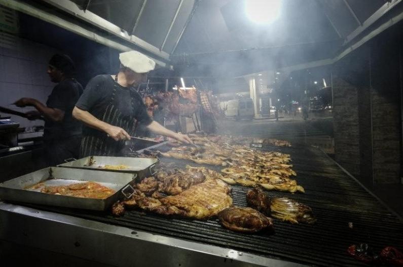 El asado argentino vuelve a entrar a Europa luego de 50 años