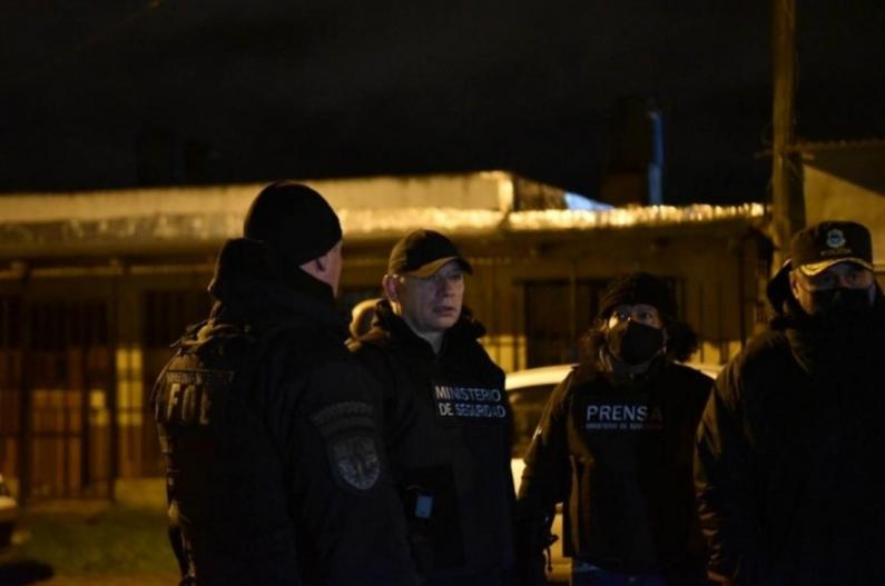 Santa Fe: El ministro de seguridad bonaerense encabezó un operativo anti narco en Rosario