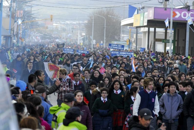 Tierra del Fuego: Festejos centrales por aniversario de Ushuaia y cortes de tránsito por desfile