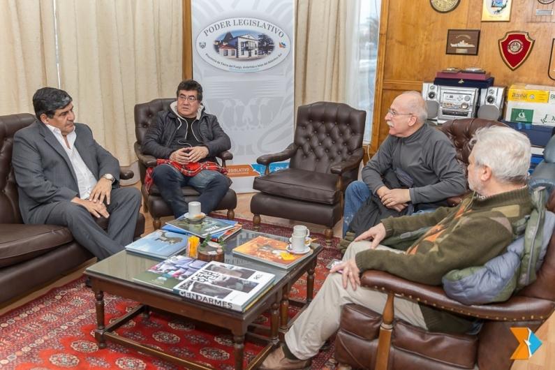 Tierra del Fuego: Fueron homenajeados los jugadores de hockey de Ushuaia