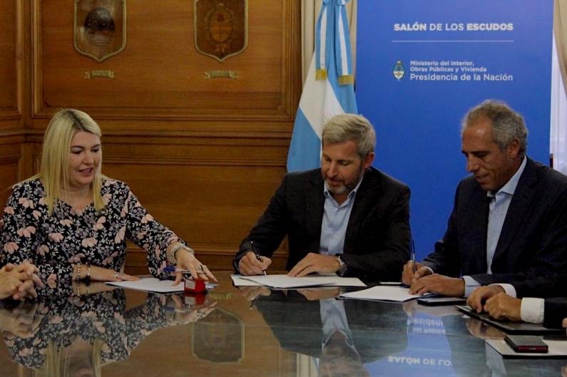 Tierra del Fuego: La gobernadora firmó convenio de 307 millones de pesos para construir la planta de tratamiento sanitario de la margen sur
