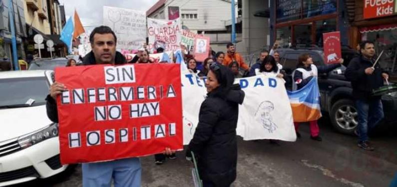 Tierra del Fuego: Gobierno se comprometió con un aumento salarial y re categorización para enfermeros