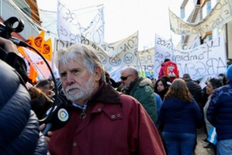 Tierra del Fuego: La municipalidad de Ushuaia acompaño el reclamo de los trabajadores contra el ajuste
