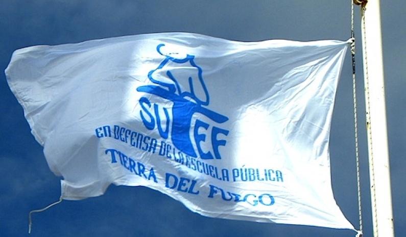Tierra del Fuego: Sindicato de la educación reclama salarios atrasados