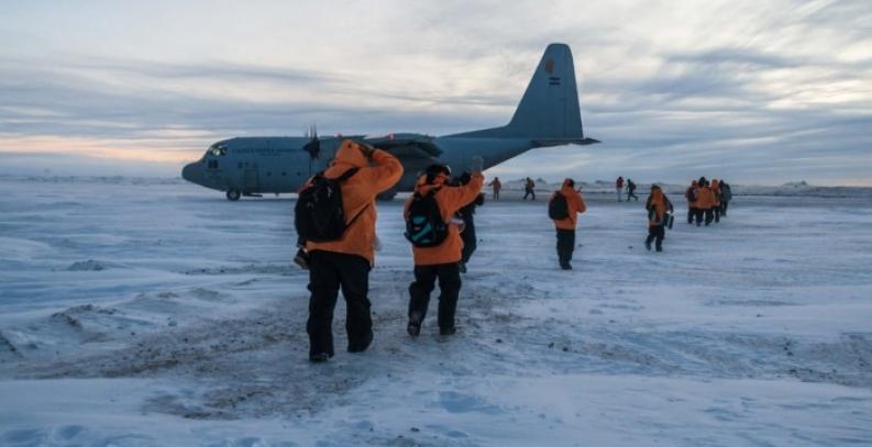 Tierra del Fuego: Aterrizó en base Marambio el primer vuelo desde el comienzo de la pandemia
