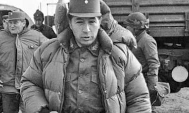 Afirman en Londres que las cenizas del dictador Mario Benjamín Menéndez fueron esparcidas en Malvinas sin permiso