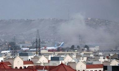 Atentado fuera del aeropuerto de Kabul: Habría al menos 30 muertos