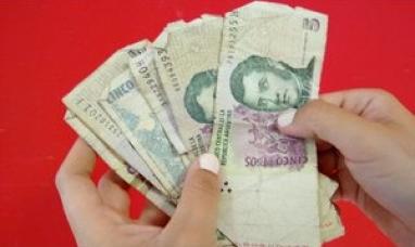 El banco central decidió postergar por un mes la salida de circulación del billete de 5 pesos