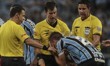 """Brasil: Gremio de Porto Alegre pedirá los puntos del partido ante River por el """"caso Gallardo"""""""