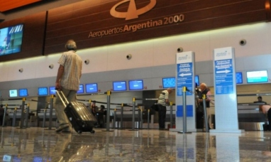 Buenos Aires: Aerolíneas argentinas intimó a sus pilotos a desistir de una medida de fuerza y evitar cancelaciones