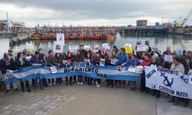 """Buenos Aires: Familiares de los tripulantes del ARA San Juan exigen que se reflote la nave: """"No queremos abandonarlos"""""""