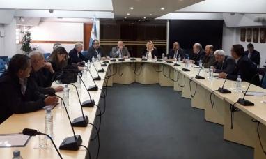 Buenos Aires: La gobernadora de Tierra del Fuego se reunió con gobernadores y sindicalistas