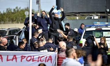 Buenos Aires: Policías amenazan con realizar un reclamo el 11 de febrero