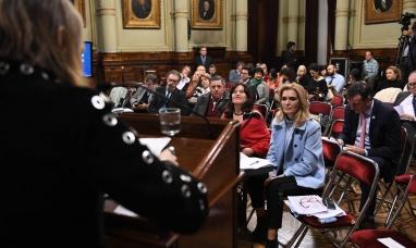 Buenos Aires: Segunda jornada de exposiciones con voces a favor y en contra del proyecto de despenalización del aborto