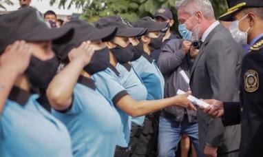 """Chubut: Policías """"duros"""" pero obedientes, amenazaron con acuartelarse, pero cobrarán en cuotas como todos"""