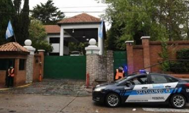 Cuatro custodios de la quinta de Olivos y casa Rosada dieron positivo