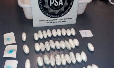 """Dominicana con cápsulas de cocaína: El ministerio de seguridad de la nación lo bautizó """"Operativo dama blanca"""""""