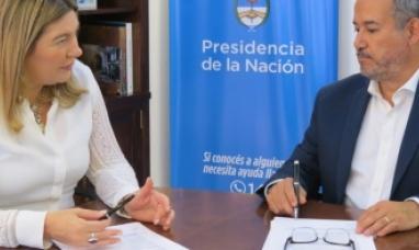La gobernadora de Tierra del Fuego suscribió con SEDRONAR un convenio de trabajo y cooperación