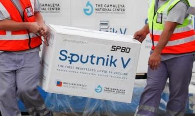 """El gobierno ruso anuncia que este mes se """"resolverá por completo"""" la entrega de segundas dosis de Sputnik V"""