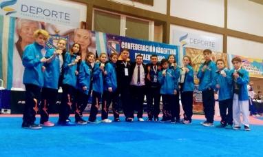 Gran actuación de equipo de Tierra del Fuego de Taekwondo en torneo nacional de menores