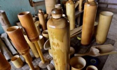 India: Botellas de bambú, envases que recuperan saberes y cuidan el planeta