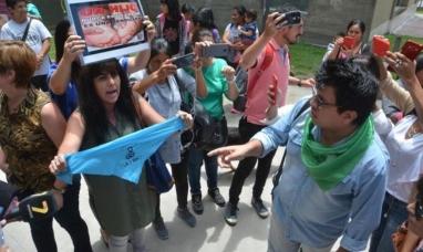 """Jujuy: Pese a la iglesia y los """"Pro vida"""", la niña de 12 años violada  podrá abortar"""