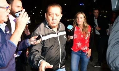 """Luis D'Elía se entregó en Comodoro Py y denunció: """"Esta es una condena a muerte"""""""