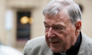 El número tres del Vaticano, George Pell, condenado por abuso de menores