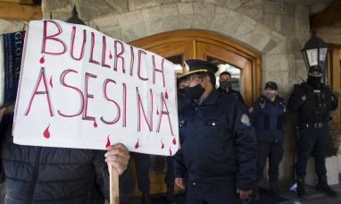 Río Negro: Repudio y escrache en Bariloche contra la visita de Patricia Bullrich
