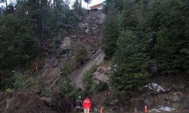 Neuquén: Impactante alud en villa La Angostura mantuvo cortada la ruta 40