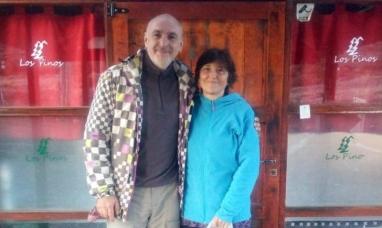 Neuquén: La pareja de República Checa que duerme en una cocina hace 140 días