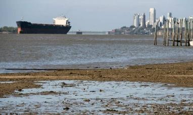 Nunca visto en 50 años: La bajante del Paraná impide cargar 10.000 toneladas de granos por buque