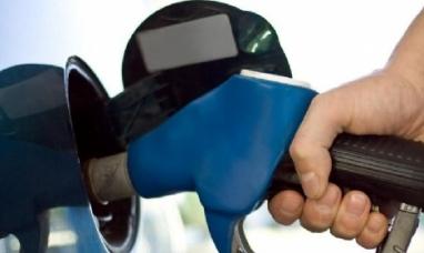 """Otra vez """"sopa"""": La semana próxima vuelven a subir los combustibles"""
