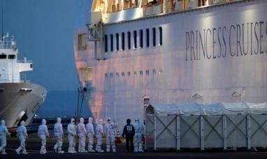 Un pasajero del crucero en cuarentena por el coronavirus se divierte publicando la comida que reciben a bordo