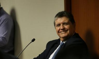 Perú: Ex presidente solicitó asilo ante la embajada de Uruguay