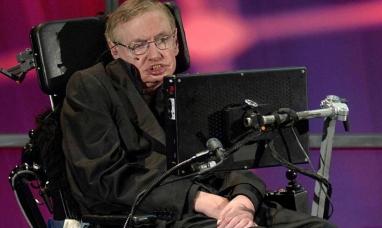 El día que Stephen Hawking hizo una oscura predicción sobre la pandemia y el fin de la humanidad