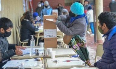 Quienes presenten síntomas de Covid-19 quedarán exentos de votar