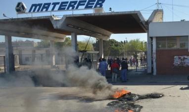 Córdoba: Trabajadores de Materfer tomaron la fábrica