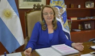 Santa Cruz: La gobernadora ajusta aumentos mínimos y posible conflicto con los estatales