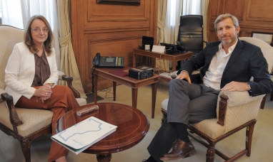 Santa Cruz: La gobernadora podría reunirse hoy con el presidente