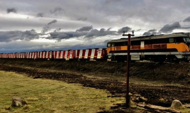 Santa Cruz: El tren volvió a rodar por las vías del ramal ferro industrial de YCRT