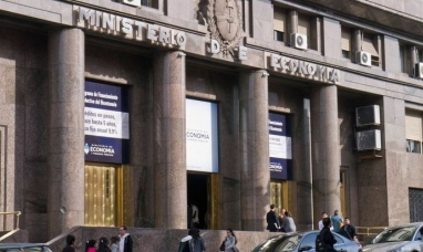 Según Forbes, Argentina está a un paso del colapso económico