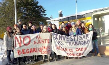 """Tierra del Fuego: Becarios del CADIC se quejaron de la desinversión en ciencia y advirtieron sobre otra """"fuga de cerebros"""""""