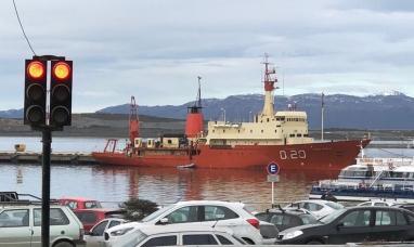 Tierra del Fuego: Un buque argentino se acercó a Malvinas y fue interceptado por un barco inglés