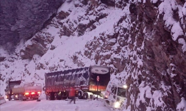 Tierra del Fuego: Un camión se despistó en el paso Garibaldi