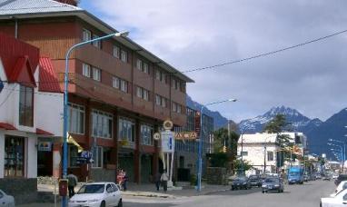 """Tierra del Fuego: La concesión del histórico hotel canal Beagle de Ushuaia quedó en manos de la empresa """"Albatros SA"""""""