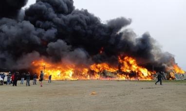 Tierra del Fuego: A raíz del fuego fábrica de plástico de Río Grande quedó convertida en cenizas