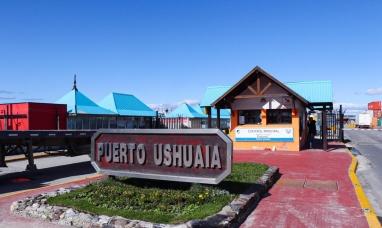 """Tierra del Fuego: Desde la dirección de puertos negaron haber autorizado que zarpe crucero """"Ushuaia"""""""
