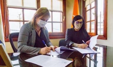 Tierra del Fuego: Desde el ministerio de salud y la obra social estatal, firmaron convenio de colaboración para potenciar el servicio de odontología
