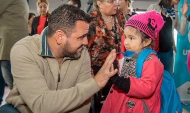 Tierra del Fuego: Desde el municipio de Ushuaia entregan 500 kits escolares